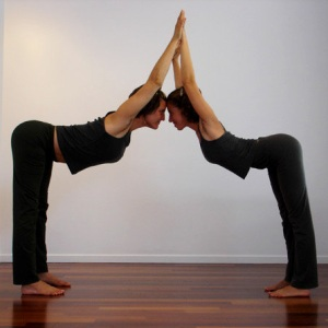 couple yoga poses for partners