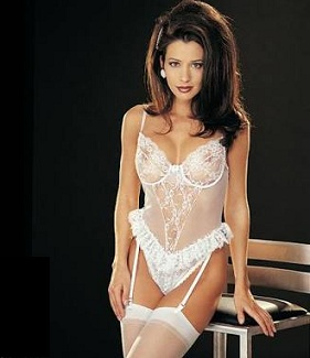 Teddiette lingerie in visual foreplay